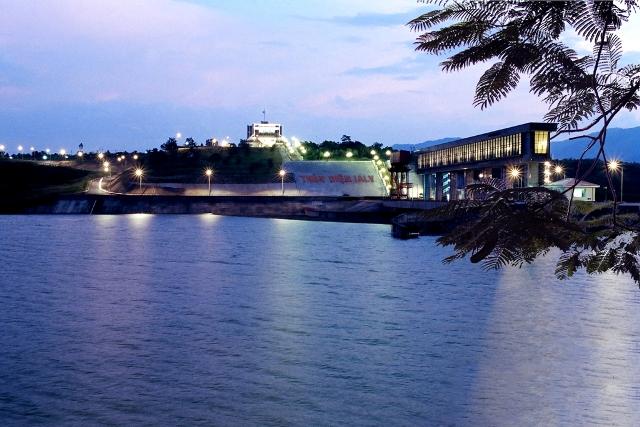 Hồ thủy điện Yaly Gia Lai