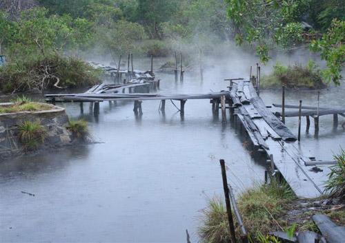 Suối Bang Suối nước nóng Bình Châu