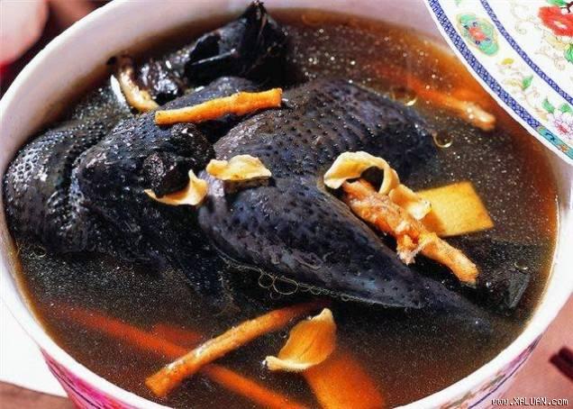 Canh gà đen Lào Cai