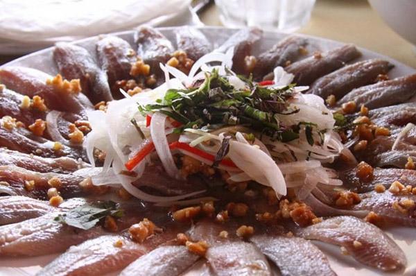 Gỏi cá bỗng sông Lô Tuyên Quang