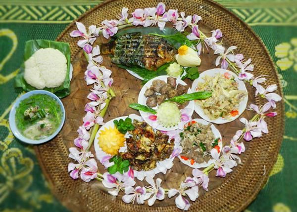 Món ăn từ hoa ban Điện Biên