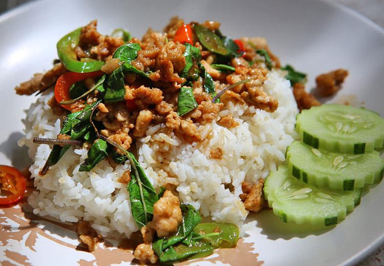 Pad Krapow Moo Saap Pattaya