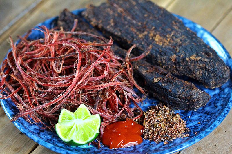 Thịt trâu gác bếp, thịt lợn gác bếp Hà Giang