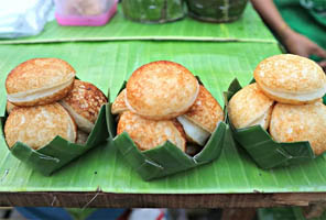 Bánh dừa Luang Prabang