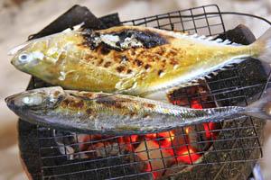 Cá biển hấp bọc muối nướng Pattaya