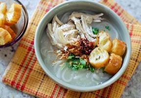 Khao Piak Sen Lào (phở Lào)