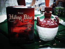 Rượu Hồng Đào Quảng Nam