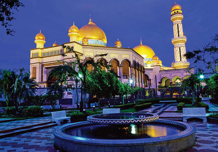 Brunei - Đức vua tiêu tiền xa hoa bậc nhất thế giới