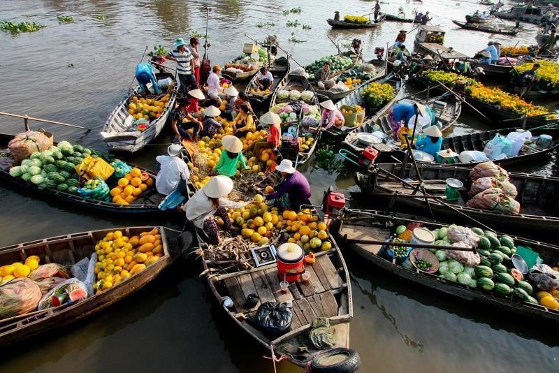 Chợ nổi Cái Bè - Việt Nam