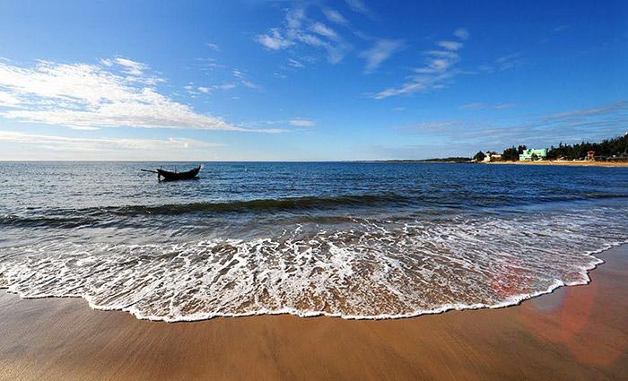 Bãi biển Cửa Tùng