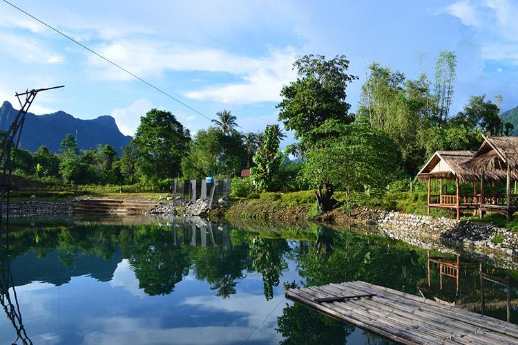 Blue Springs và Động Patong Vang Vieng