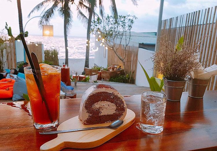 Cafe Aroi Dessert