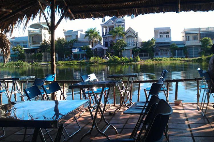 Cafe Bờ hồ