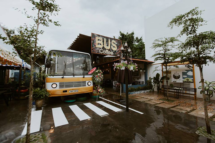 Cafe Bus