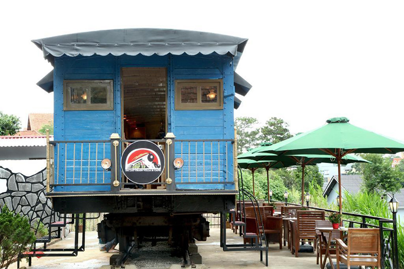 Cafe Dalat Train