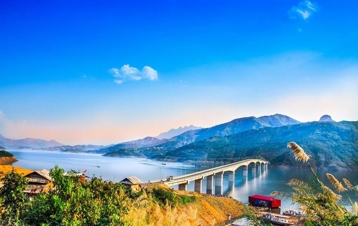 Cầu Pá Uôn, cây cầu cao nhất Việt Nam