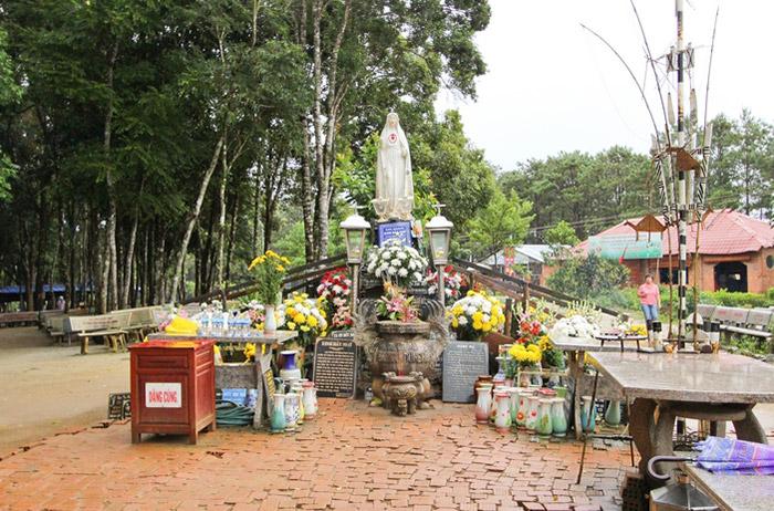 Khu du lịch sinh thái Măng Đen