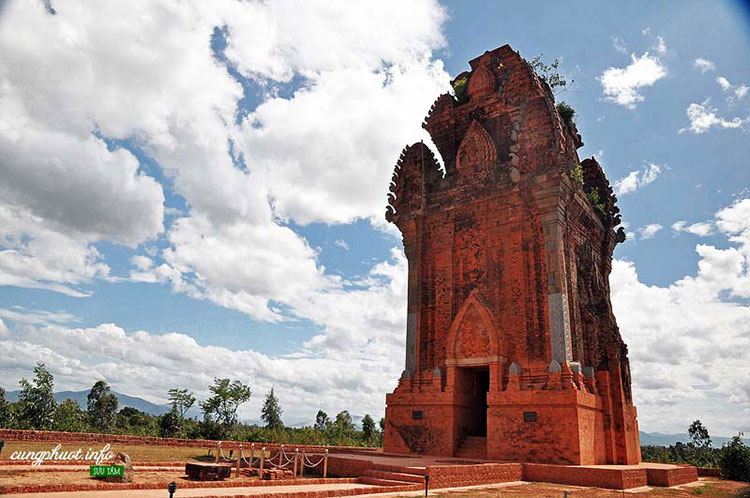 Hệ thống tháp Chăm Bình Định