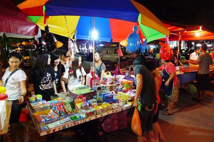 Khu chợ trời Pasar Malam Gadong