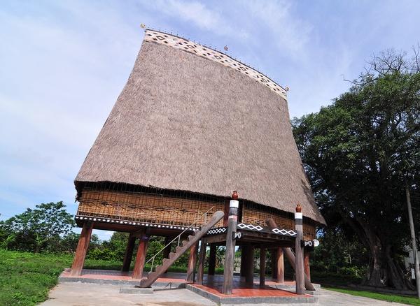 Nhà rông Kon Klor
