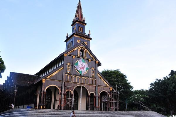 Nhà thờ Chánh tòa Kon Tum (Nhà thờ Gỗ)