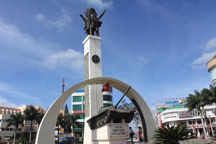 Tượng đài Chiến thắng Buôn Ma Thuột
