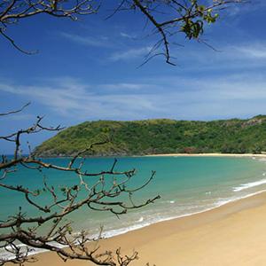 Tắm biển Côn Đảo