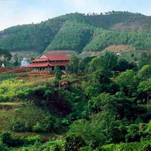Thác Voi - Chùa Linh Ẩn