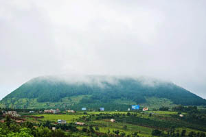 Núi Hàm Rồng Gia Lai