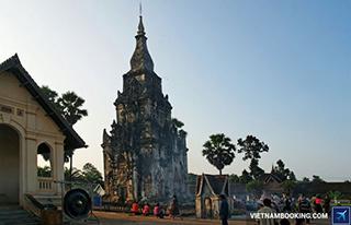 Thánh địa Phật Giáo That Ing Hang Savannakhet